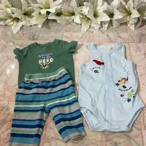 Baby outfits size 0-3 mnths NWOT